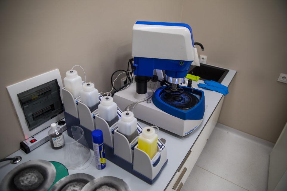 новое оборудование в лаборатории