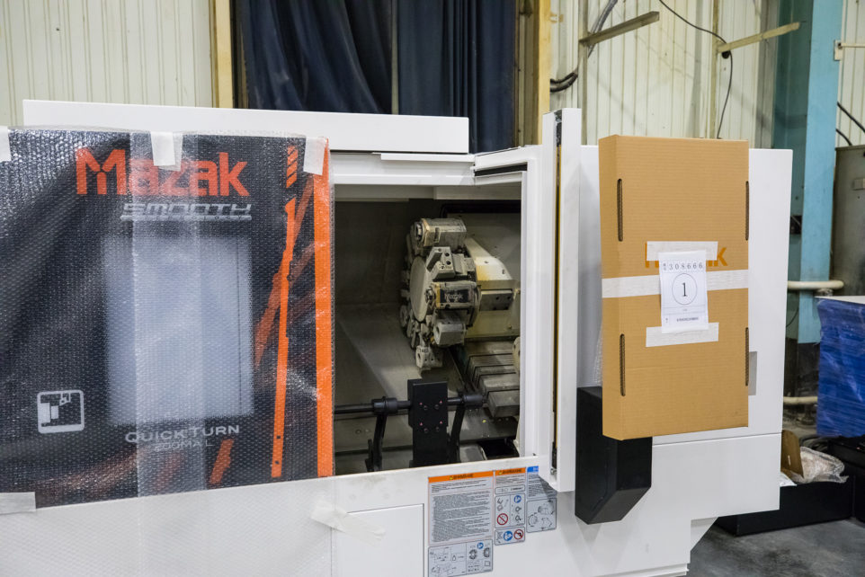 станок Mazak Quick Turn 200MA L с роботом Fanuc M20-iA
