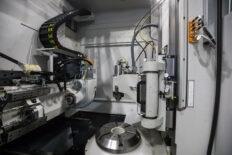 новый станок для обработки зубчатых колес