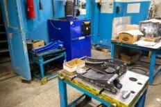 производство гидравлического подкатного домкрата для автосервисов